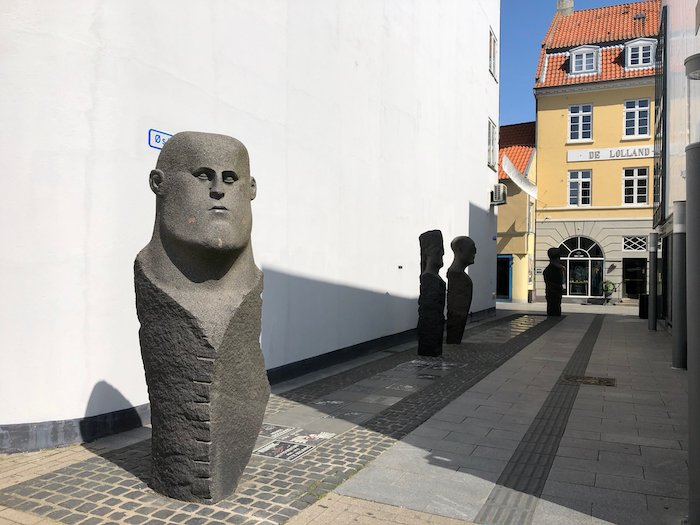 Skulptur am Theater